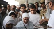 Aamir-Khan-leaves-for-Hajj-2012-pictures-pilgrimage-with-mother-1012121020112244